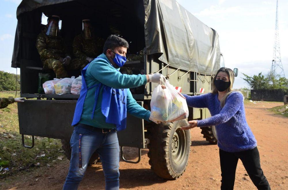 El Ejército apoya a Ascúa en la distribución de alimentos