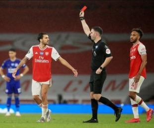 foto: Expulsado por toser a un rival: nueva regla que adoptará el fútbol inglés