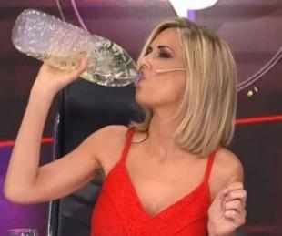 foto: Canosa bebió al aire dióxido de cloro, como cura del coronavirus