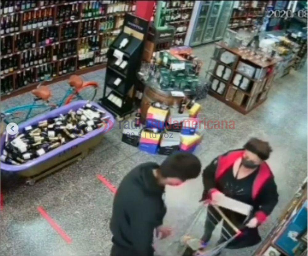 Robaron en una vinoteca y todo quedó registrado por las cámaras