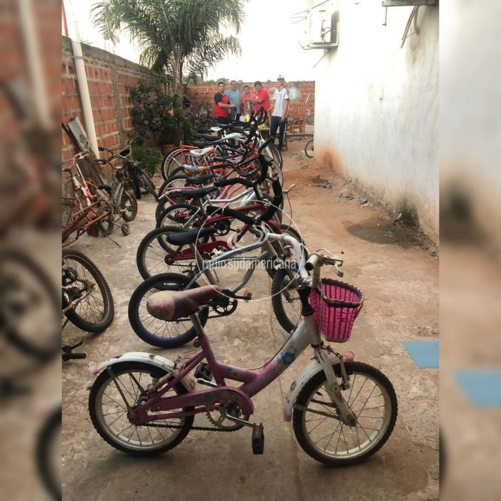 Tabay: Maestros reciclan bicicletas para regalar por el Día del Niño