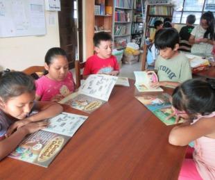 foto: Colecta de libros y juguetes para los niños del hospital y los hogares
