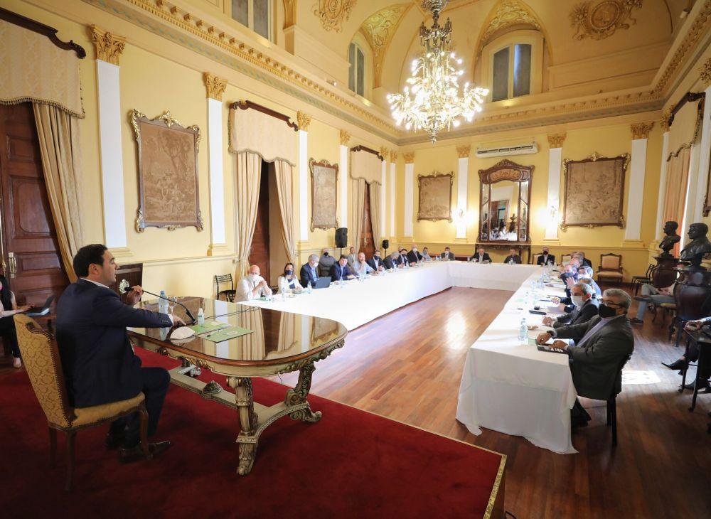 Gustavo Valdés encabezó reunión con todo su gabinete
