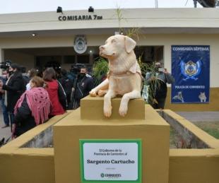 foto: Provincia homenajeó al Sargento Cartucho en la Comisaría Séptima