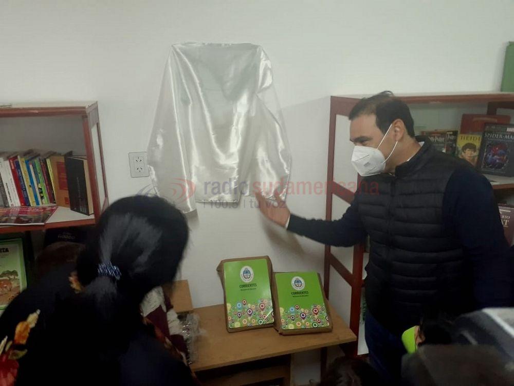 Valdés inauguró  un merendero y una biblioteca en Punta Taitalo