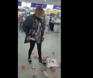 foto: Video: Intentó robar latas de atún del Súper, la filmaron y se enojó