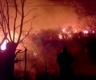 foto: Impactantes imágenes del feroz incendio en zona de El Sombrero