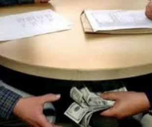 foto: Profesor les cobraba hasta $40 mil a los alumnos para aprobarlos