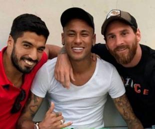 foto: Neymar se sumó a la crítica de Messi por la salida de Suárez del Barcelona