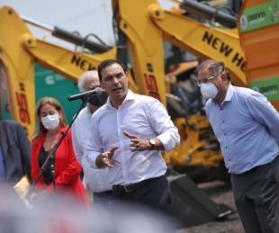 foto: Valdés entregó maquinaria vial para obras en la provincia