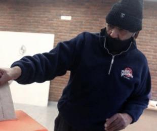 foto: Uruguay: comenzaron las elecciones con tapabocas y distanciamiento