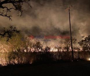 foto: Empedrado, Santa Rosa, Santa Ana y San Lorenzo luchan contra el fuego