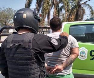 foto: La policía rescató a una mujer que era agredida por su pareja